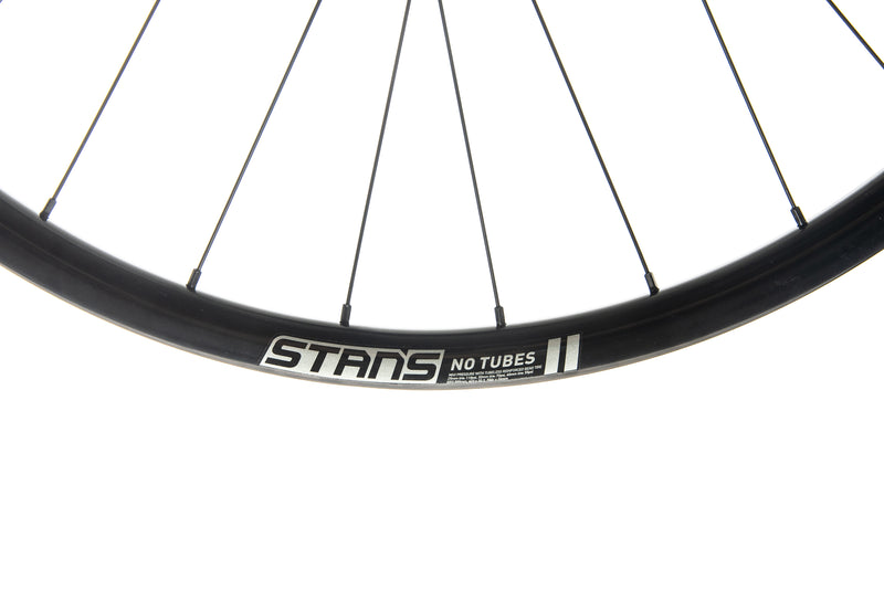 Stan's NoTubes ZTR Grail MK3 Alloy Tubeless 700c Wheelset cockpit