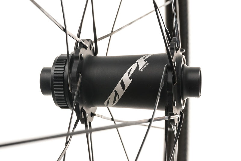 Zipp 303 NSW Disc Carbon Tubeless 700c Wheelset drivetrain