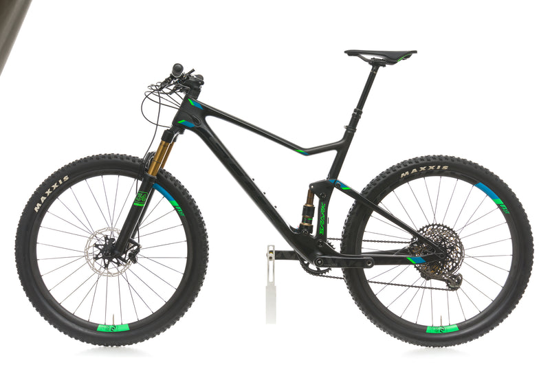 Scott Spark 700 Ultimate Large Bike - 2017 non-drive side