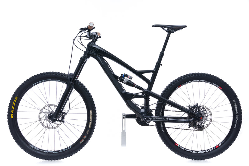 YT Capra CF Comp Medium Bike - 2016 non-drive side