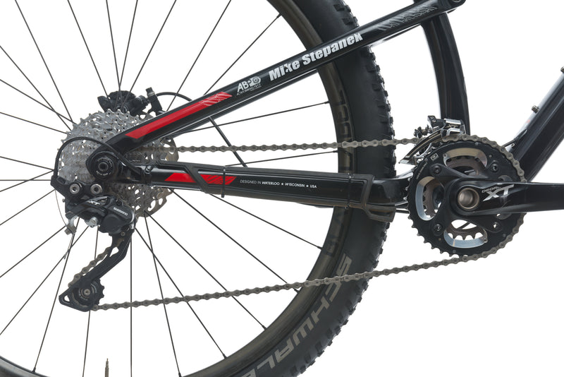 Trek Superfly 9.8 SL 21in Bike - 2014 sticker