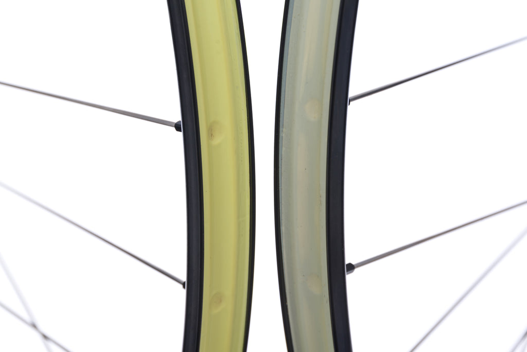 "Chris King Stan's NoTubes Crest Aluminum Clincher 29"" Wheelset cockpit"