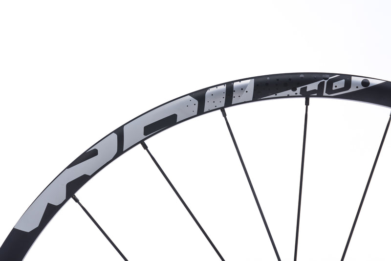 "SRAM Rail 40 Aluminum Clincher 29"" Rear Wheel drivetrain"