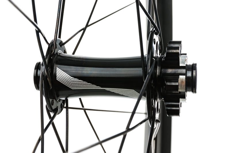 "Specialized Roval Traverse Carbon Tubeless 29"" Wheelset drivetrain"