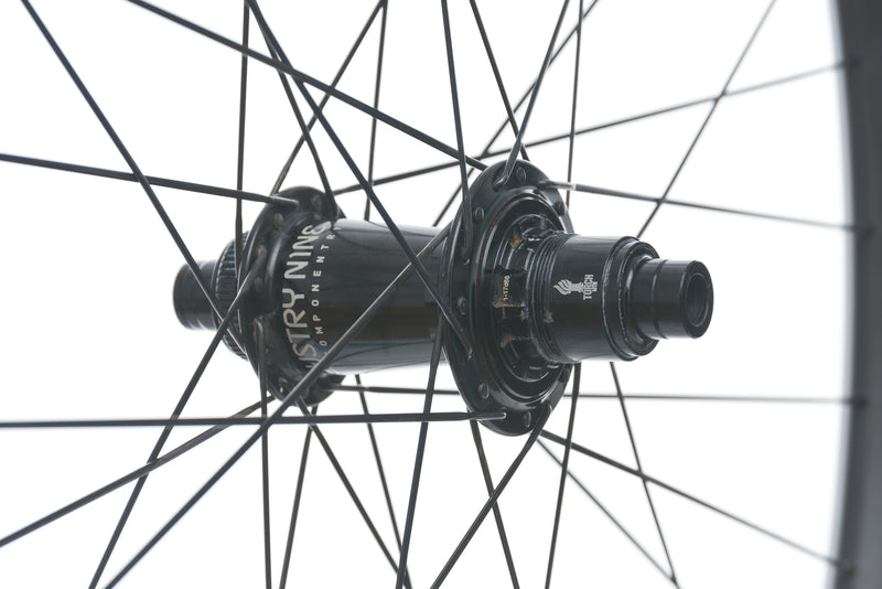"Ibis / Industry Nine 935 Carbon Tubeless 29"" Wheelset drivetrain"