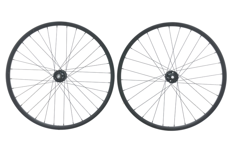 "Giant OEM Aluminum Tubeless 27.5"" Wheelset drive side"