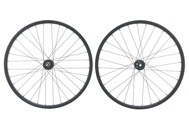 "Giant OEM Aluminum Tubeless 27.5"" Wheelset non-drive side"