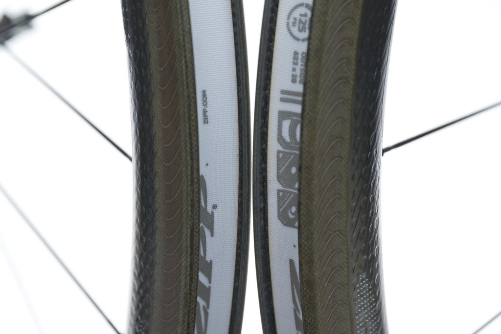 Zipp 303 NSW Carbon Clincher 700c Wheelset front wheel
