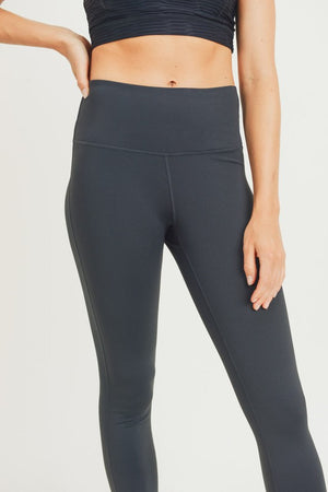 Essential Solid Highwaist Leggings!