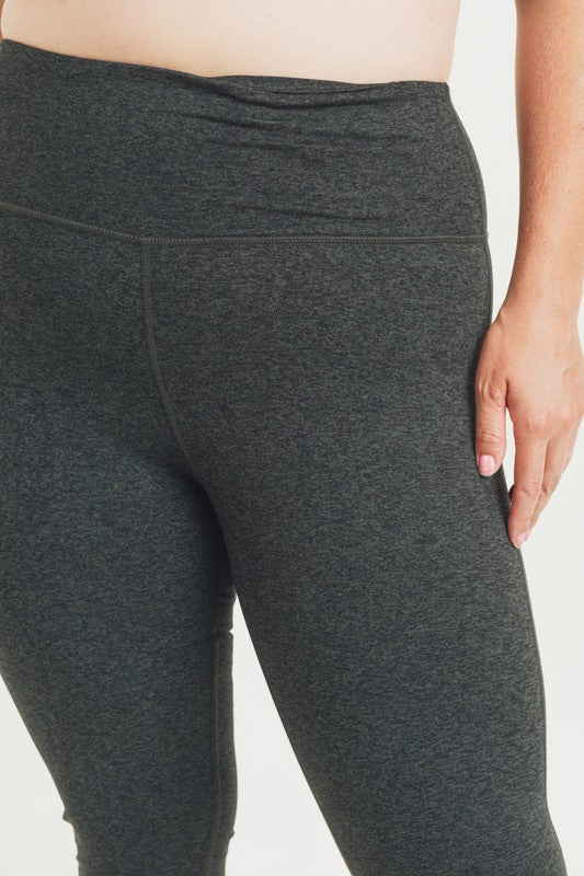 Curvy Style Highwaist Solid Essential Full Leggings!