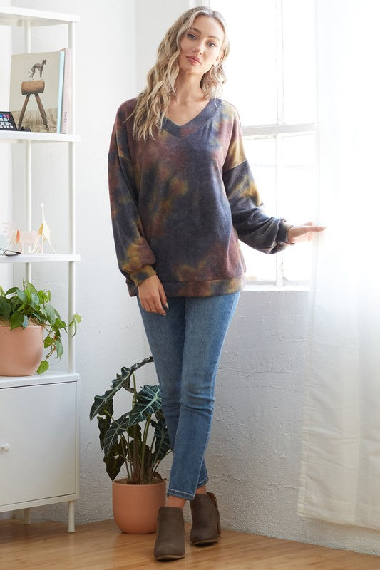 Tie dye v-neck top!