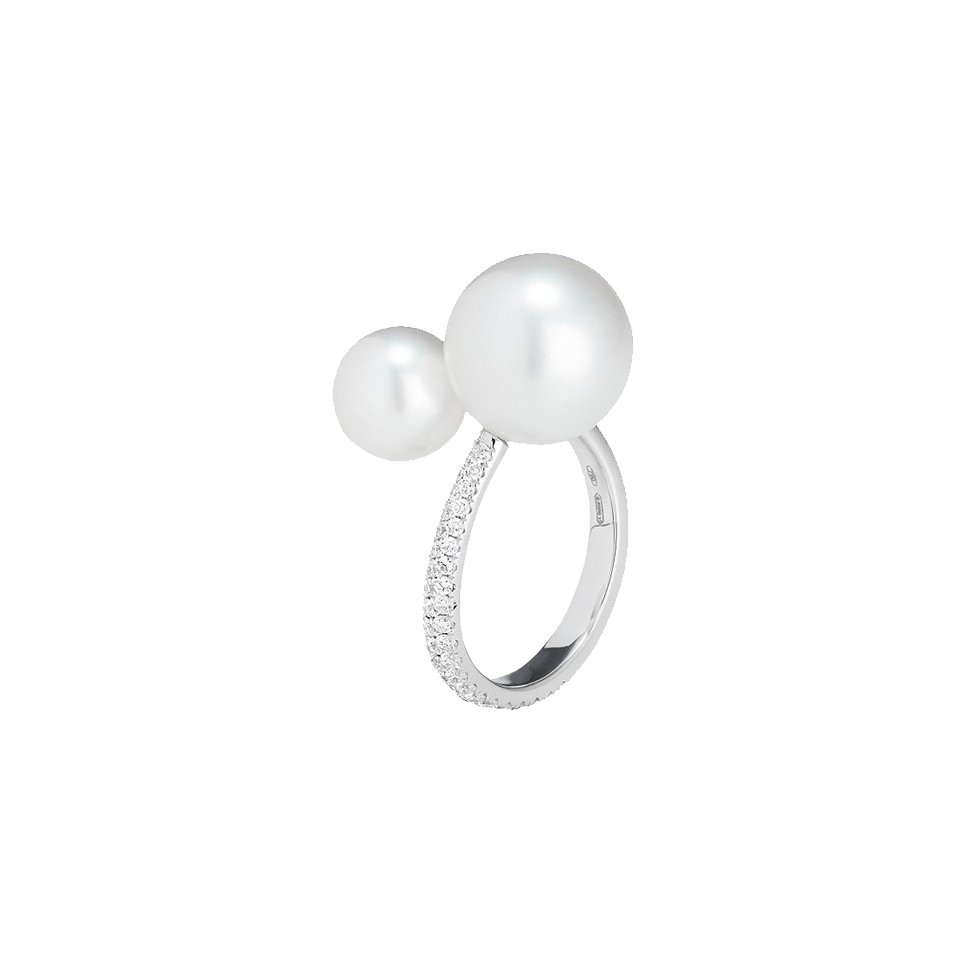 White South Sea Pearl and Diamond Ring