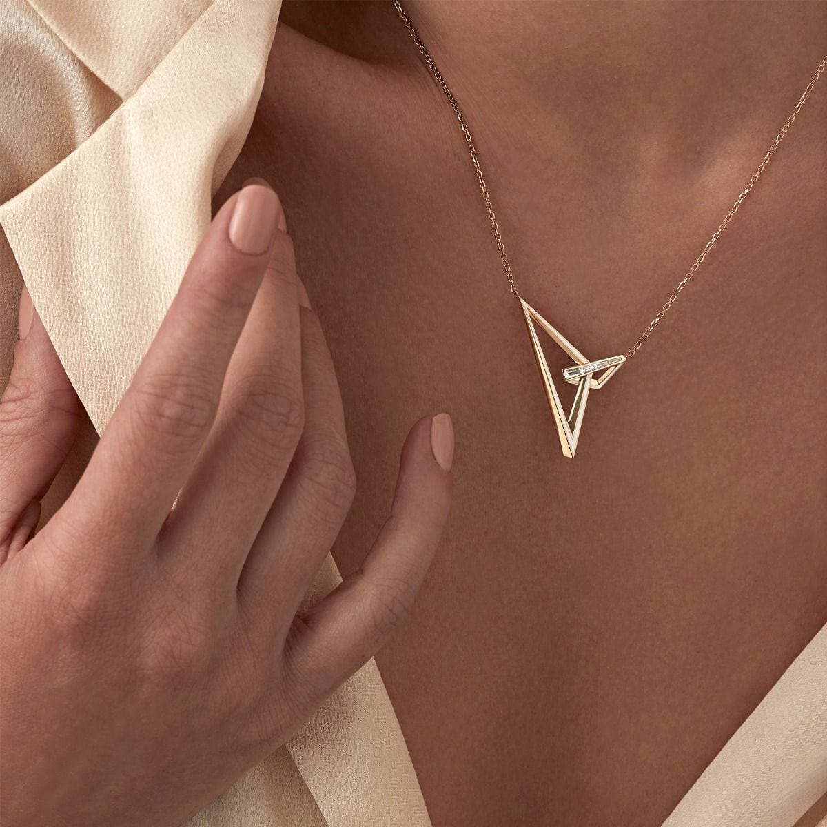 VERTIGO OBTUSE NECKLACE Yellow Gold