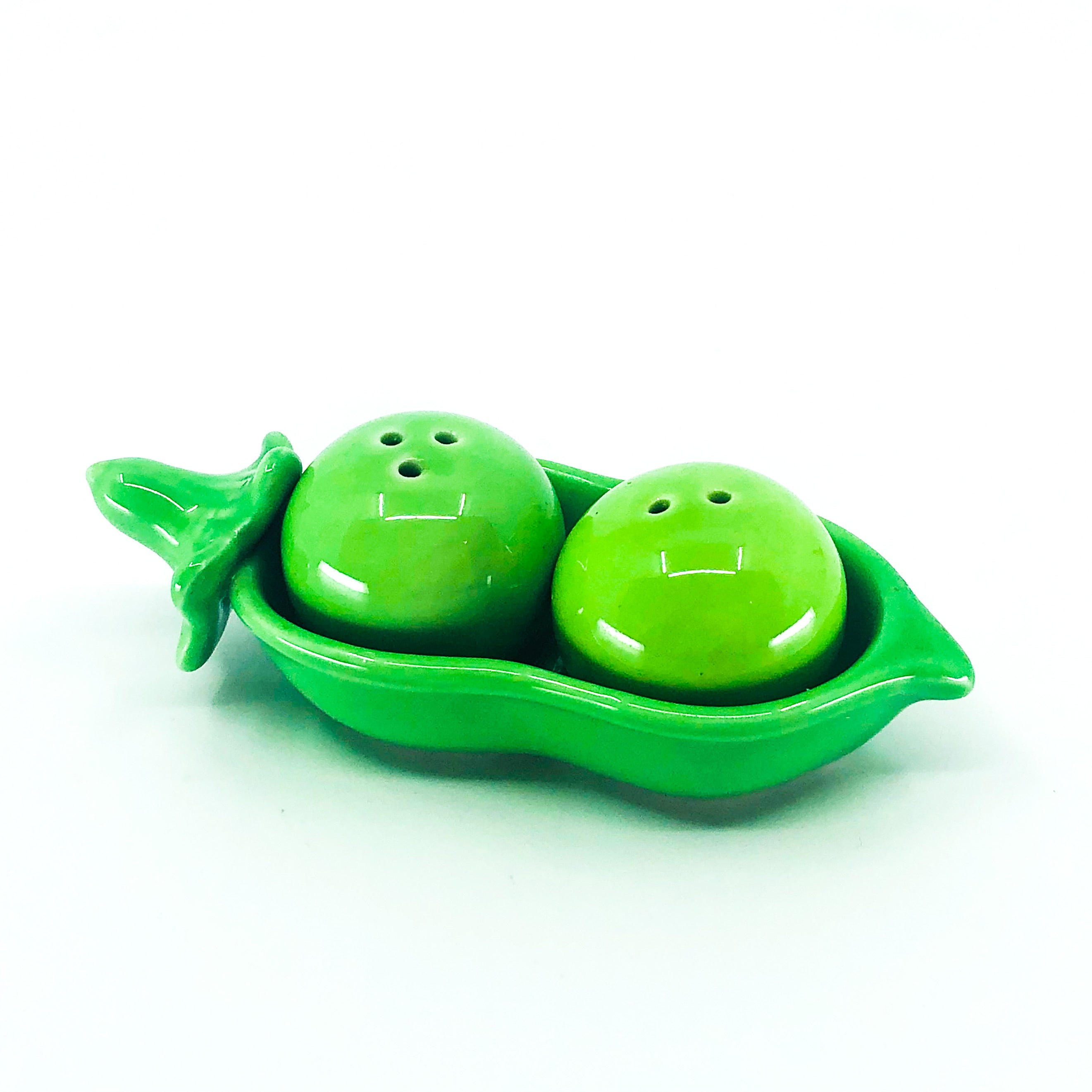 2 Peas in a Pod Ceramic Salt & Pepper Shaker