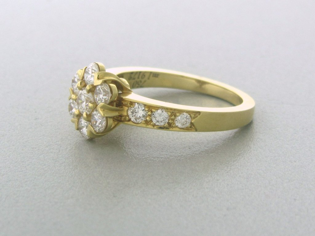 Van Cleef & Arpels VCA Fleurette Gold Diamond Ring - UPONPARK