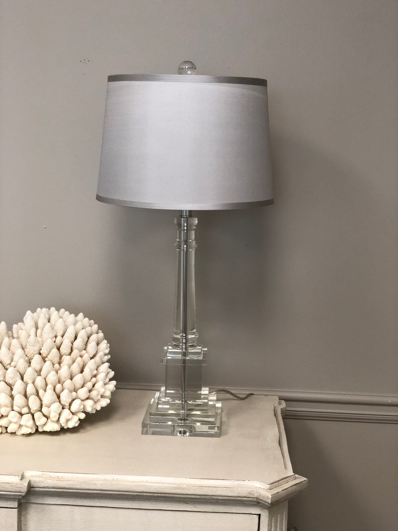 Vara Solid Crystal Table Lamp