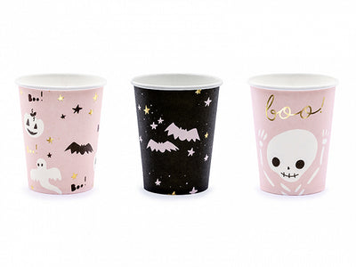 Boo halloween paper cups, in pink, black and gold colours. Designed with bats, ghosts and pumpkins designs.