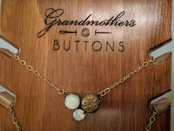 Grandmother's Buttons Mignon in White Opal