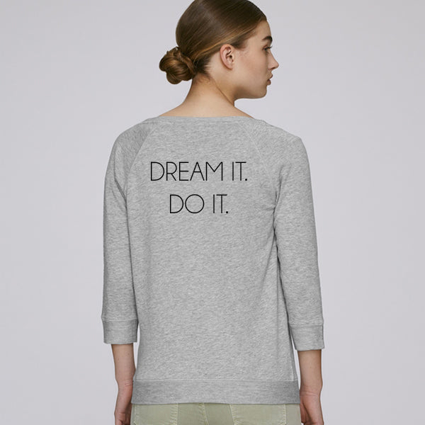 DREAM IT. DO IT. sweatshirt light grey is made out of tencel and organic cotton, soft and keeps you cool during activity. Great for both training & leisure.