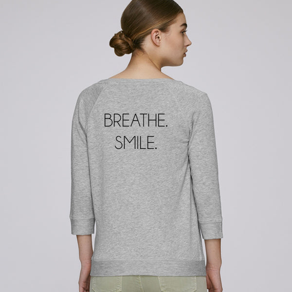 BREATHE. SMILE. sweatshirt light grey is made out of tencel and organic cotton, soft and keeps you cool during activity. Great for both training & leisure.