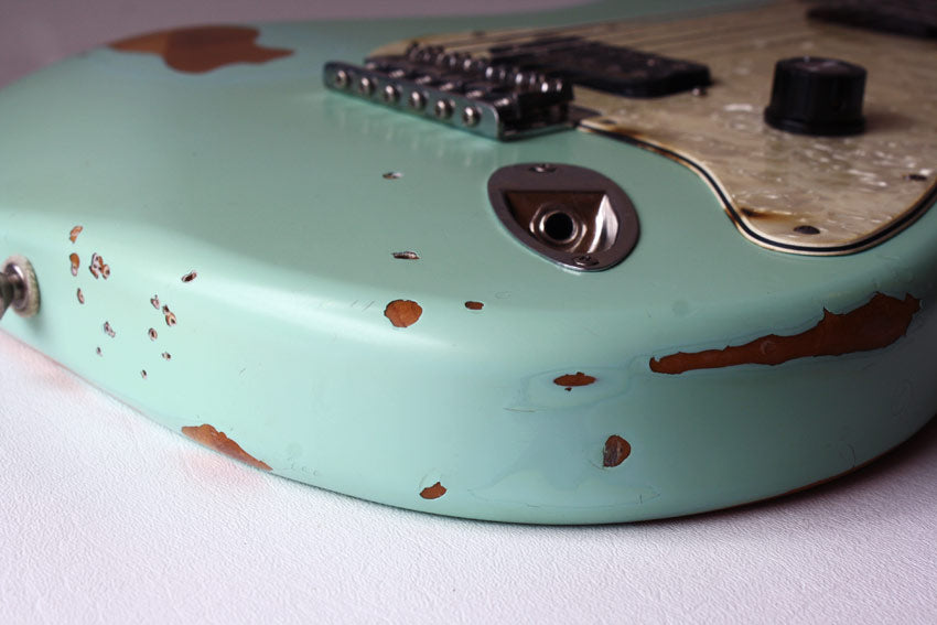 Fender Tom Delonge Stratocaster Surf Seafoam Green