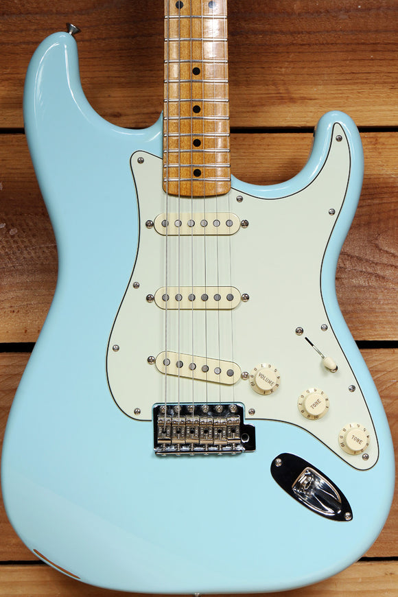 FENDER 2018 CLASSIC SERIES 50s STRATOCASTER Daphne Blue Strat Nice! 62000