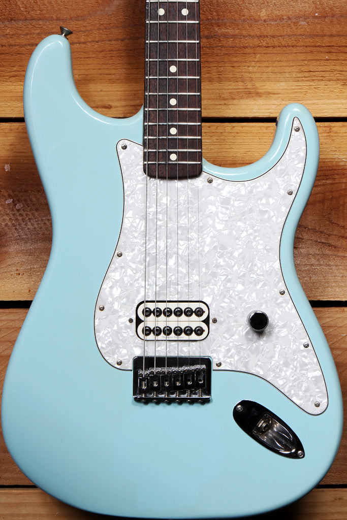 FENDER TOM DELONGE STRATOCASTER Daphne Blue Strat Early First Year! +HSC 02073