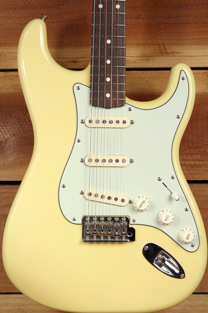 FENDER Mint Canary 60s CLASSIC SERIES STRATOCASTER FSR Yellow Strat 66392