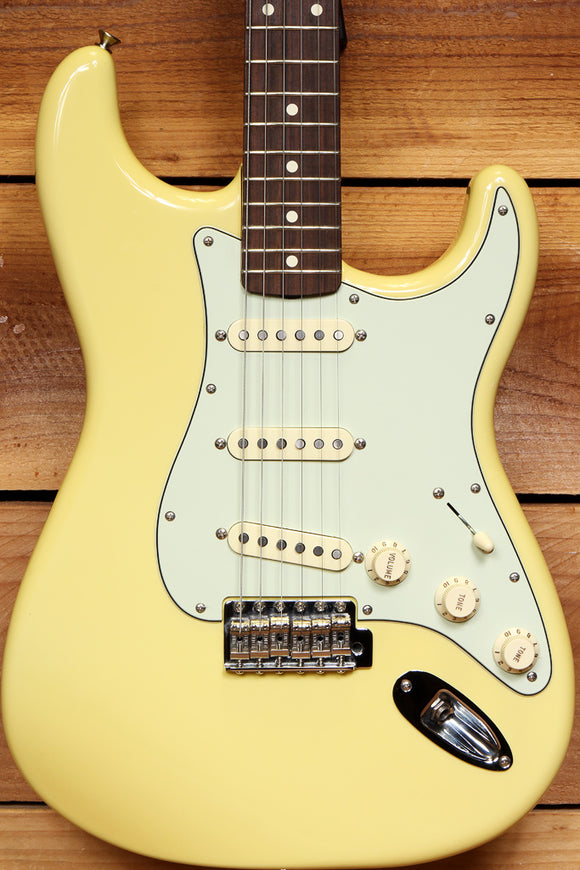FENDER CLASSIC SERIES 60s STRATOCASTER Rare Canary Diamond Yellow Strat 65243