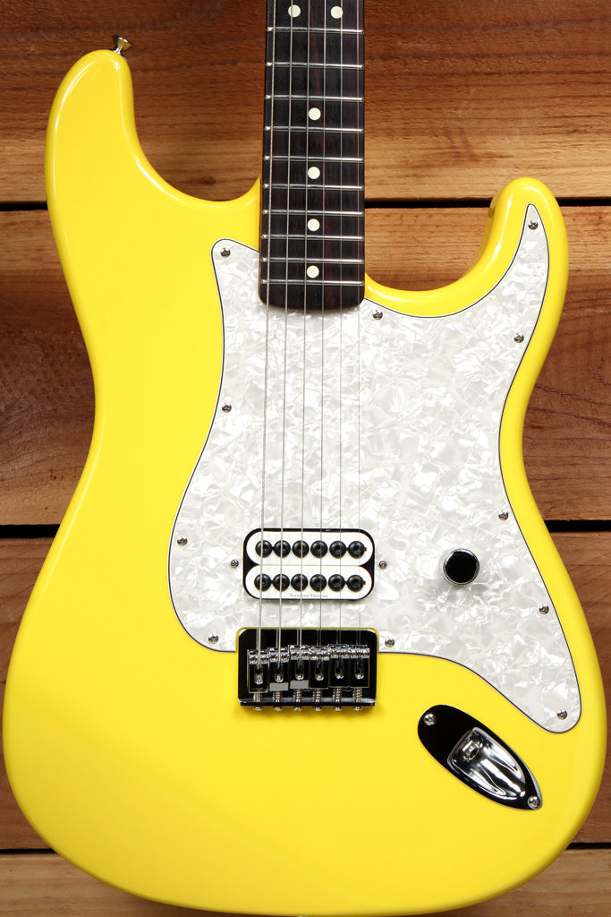FENDER TOM DELONGE STRATOCASTER Graffiti Yellow 2002 MINT! HARDTAIL STRAT 34883