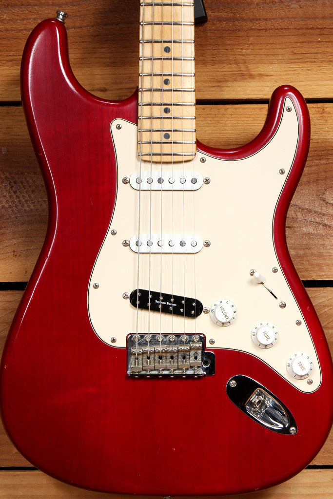 FENDER HIGHWAY ONE 1 Stratocaster SSS USA Nitro American RED STRAT RELIC 18319