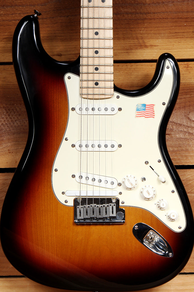 FENDER USA ROLAND VG MODELING STRATOCASTER OHSC + Papers American G5 Strat 73711