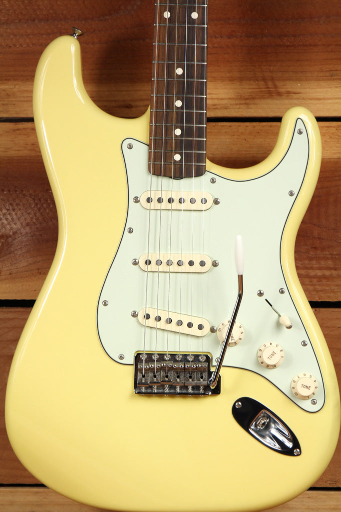 FENDER Rare Mint Canary CLASSIC SERIES FSR 60s STRATOCASTER Yellow Strat 4964