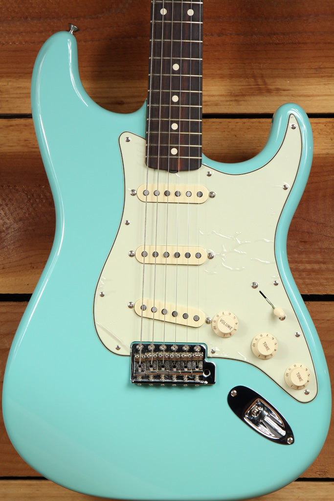 FENDER Rare Mint Cerulean Blue CLASSIC SERIES 60s STRATOCASTER FSR Strat 3526