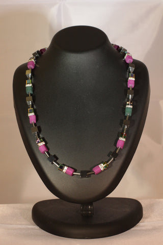 Fuchsia (Necklace and Earrings)