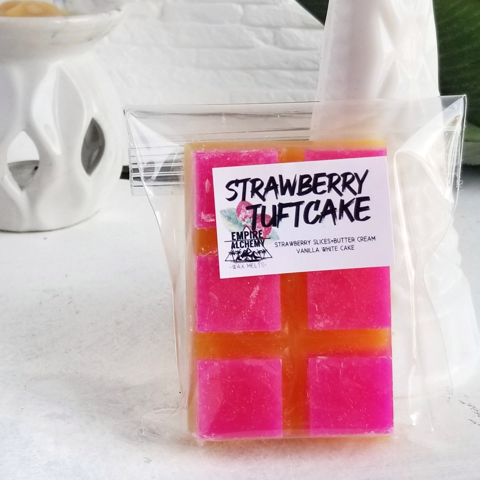 WAX BAR- Strawberry Tuft Cake - Studio Collection 2021