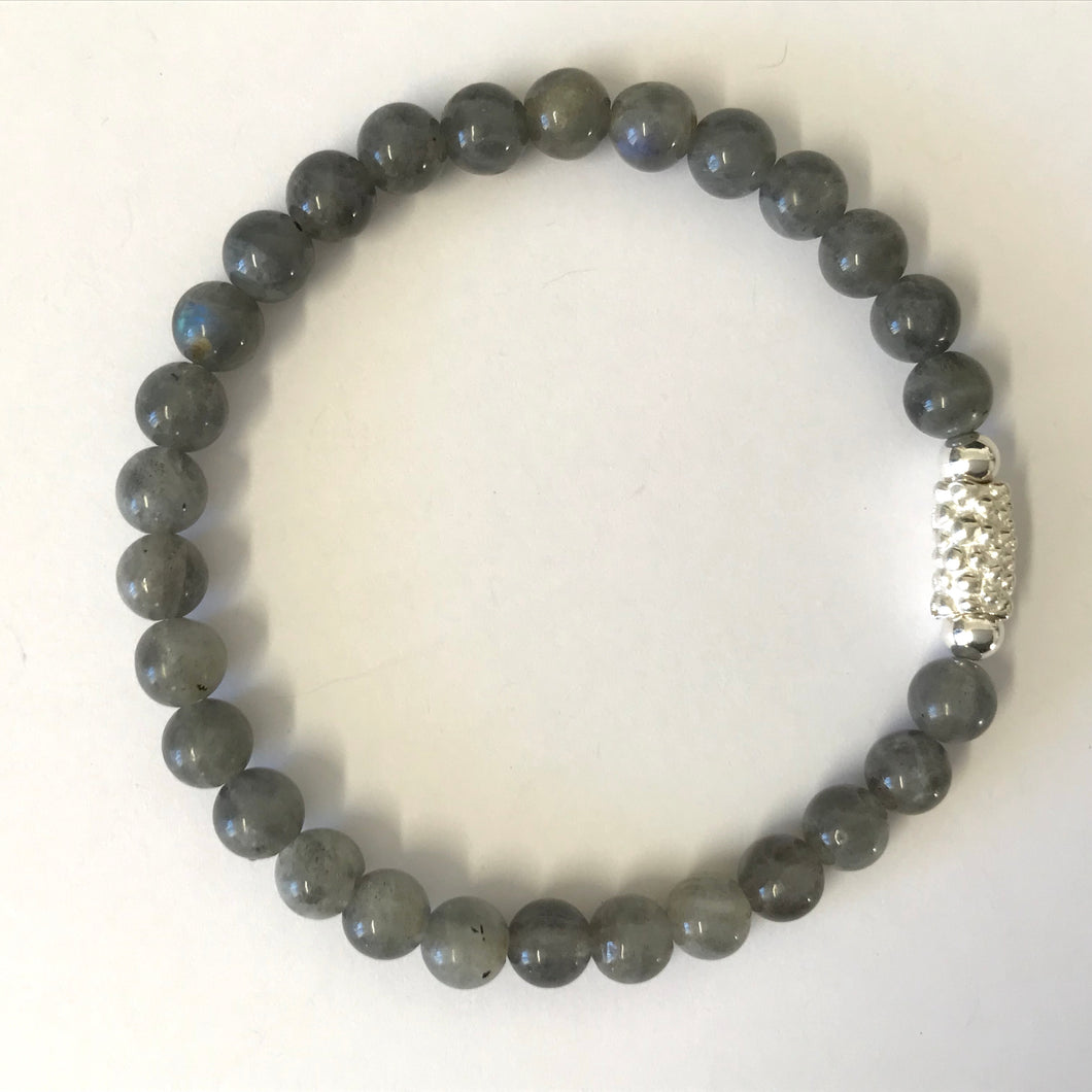 Stretchy bracelet with corn bead, Labradorite