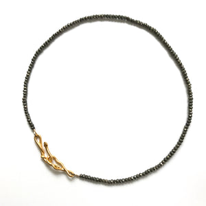 Baby snakes necklace with pyrite