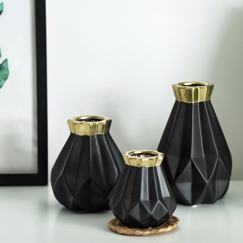 Modern Gold Matt Diamond Porcelain Vase Set