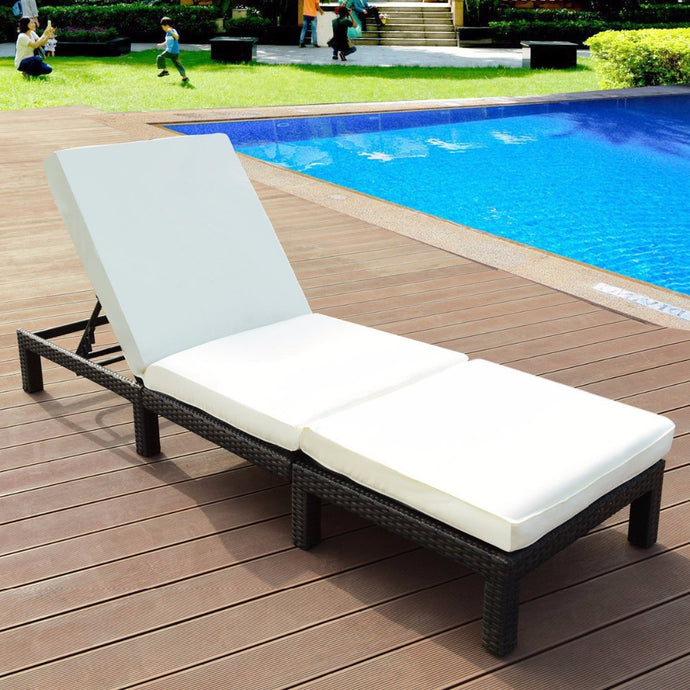 Adjustable Wicker Chaise Lounge Poolside Couch with Cushion