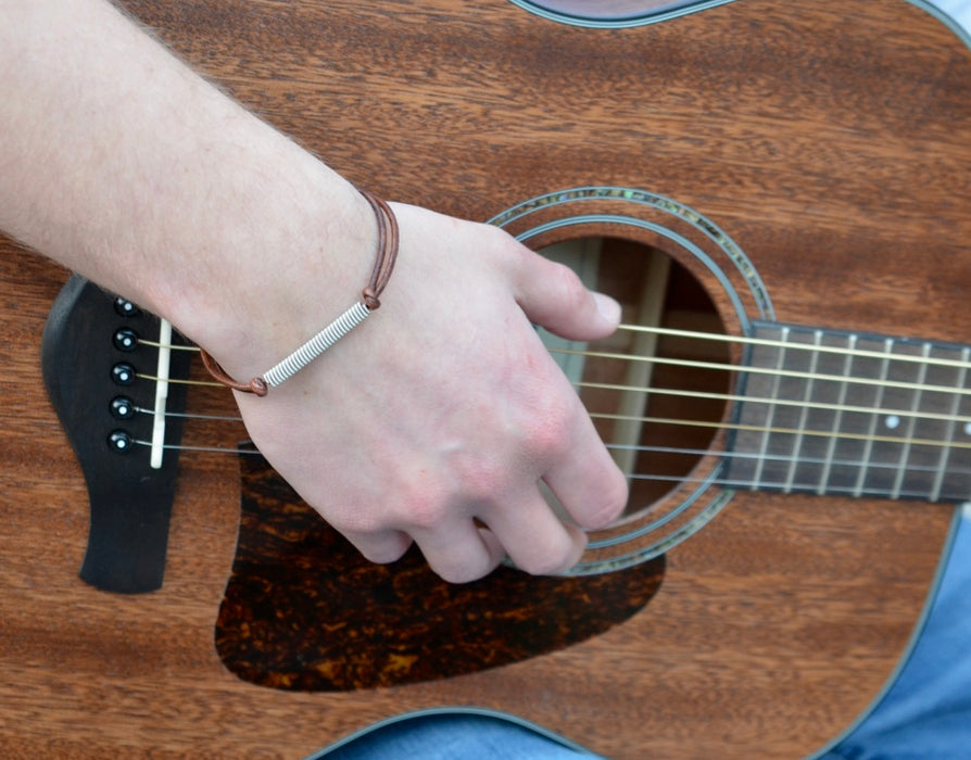 Adjustable Leather and Guitar String Bracelet - Brown