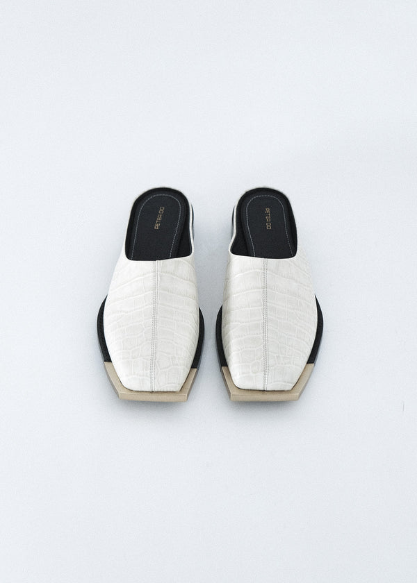 EGGSHELL CROC SQUARE TOE SLIDE WITH GOLD METAL TIP