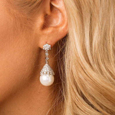 Pearl Bridal & Earrings by The Luxe Bride