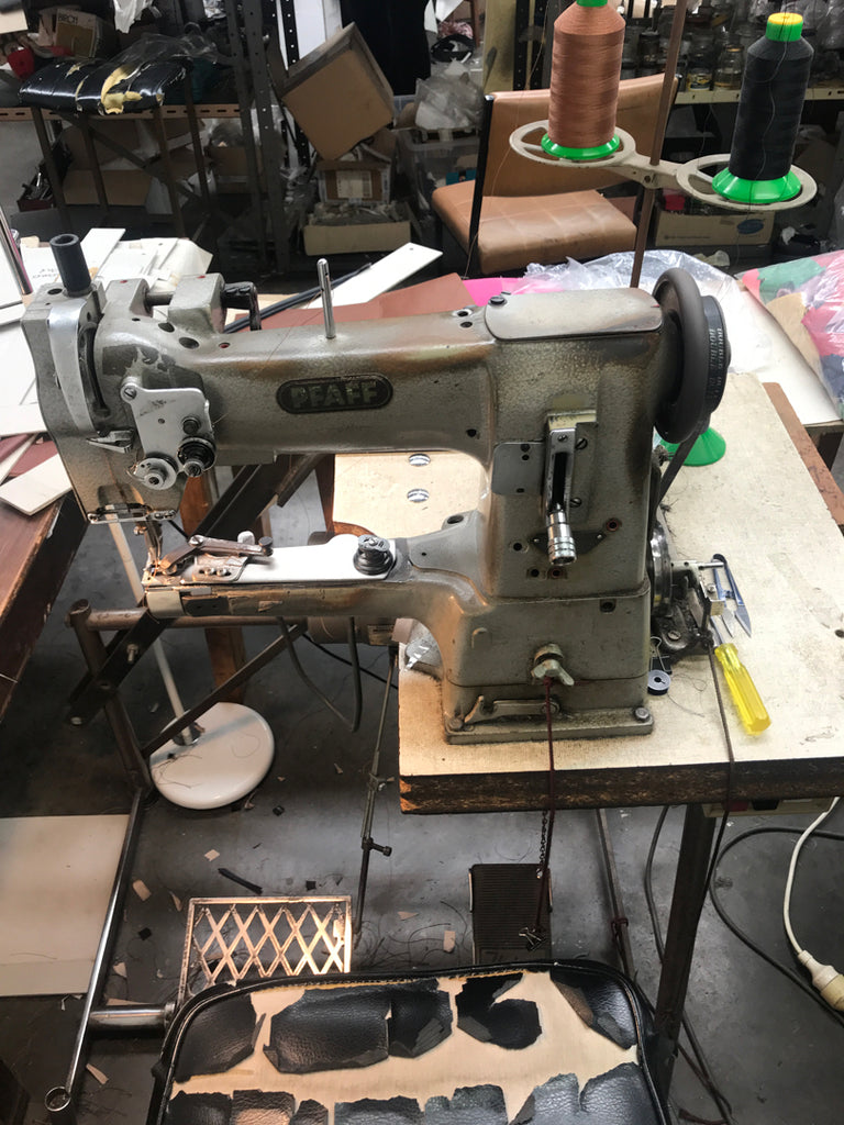 BLACK MOON SEWING MACHINE
