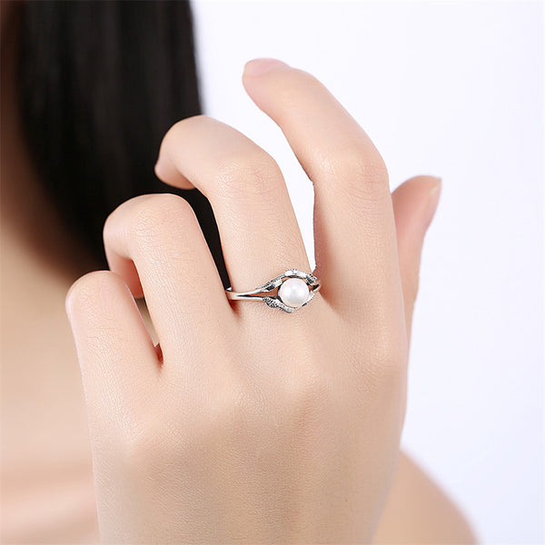 Women Finger Ring Sterling Silver With Simulated Pearl Clear Zircon Design For any Occasion . Get Yours Today !! - satisfaction-365.com