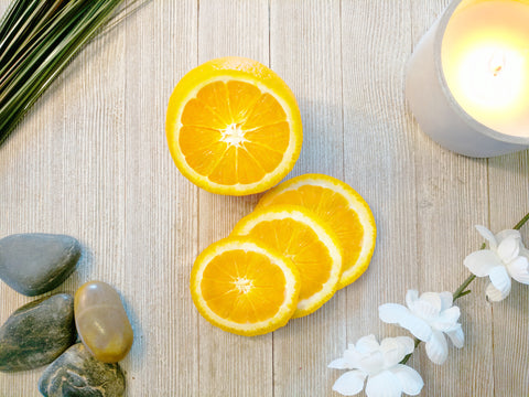 Lemon is a natural fragrance oil designed to be infused with hair oil to help with dry hair and oily hair.
