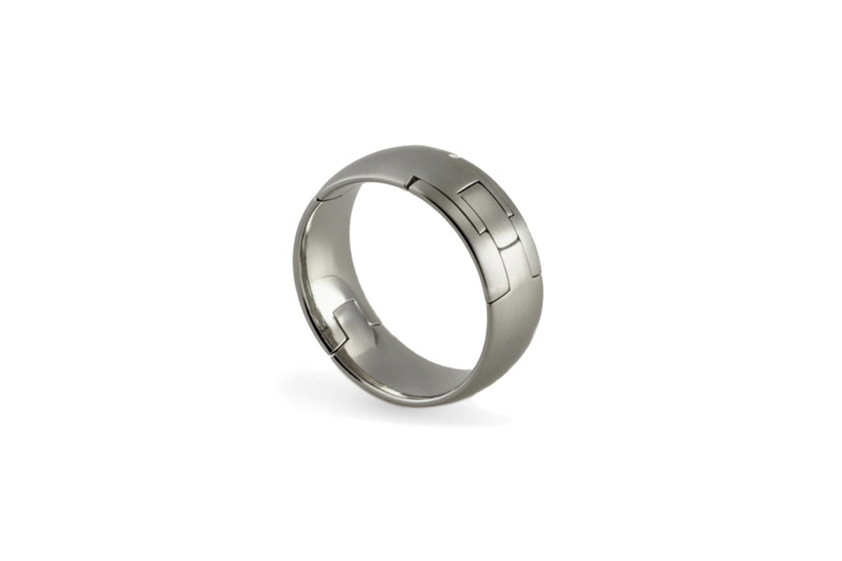 Comfort Fit inside, smooth radius outside. Hand finished, pinch operated, openable, hinged wedding ring. U.S. made, Titanium and hardened stainless steel wedding ring, toggle-Pull, openable ring