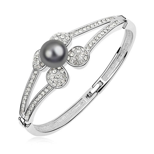 Pearl Bangle Ft Pearls & Crystals From Swarovski | White