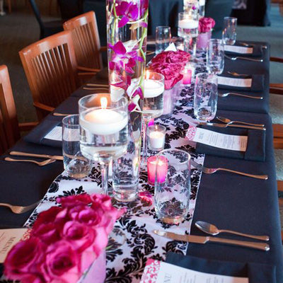Fuchsia black and white table setup