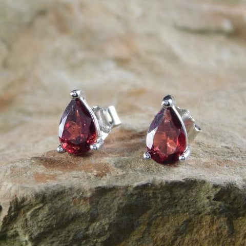 925 Sterling Silver 1.47CT Pear Shape 5*7 Garnet Stud Earrings - Wholesalekings.com